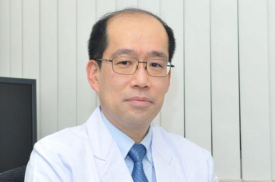 医学部付属病院の吉岡教授らが国内初の体外放射線照射による心室頻拍治療を実施しました