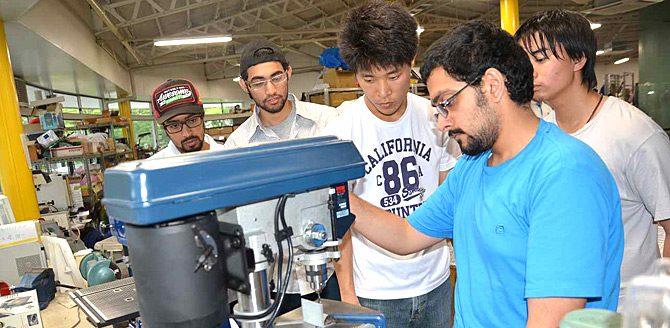 UAE・石油資源大学とのソーラーカー共同製作プロジェクトが進んでいます